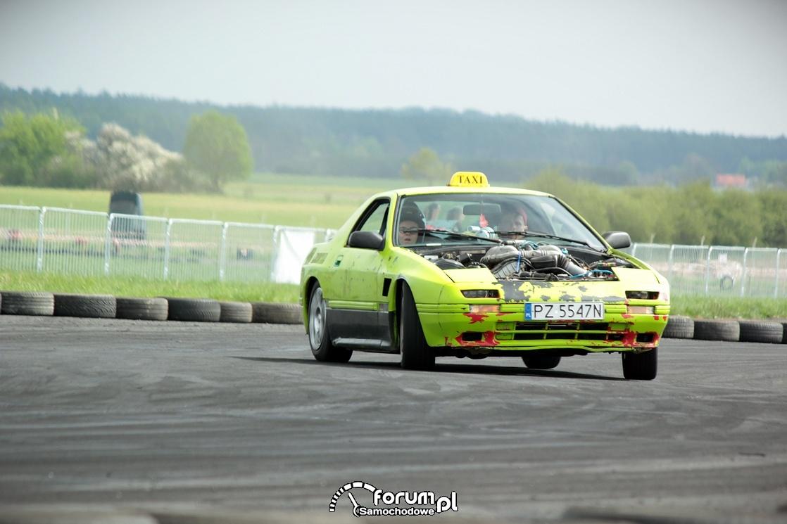 Nissan TAXI drift