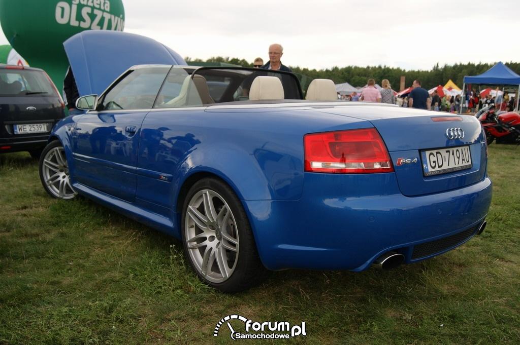 Audi RS4 Kabriolet, 2