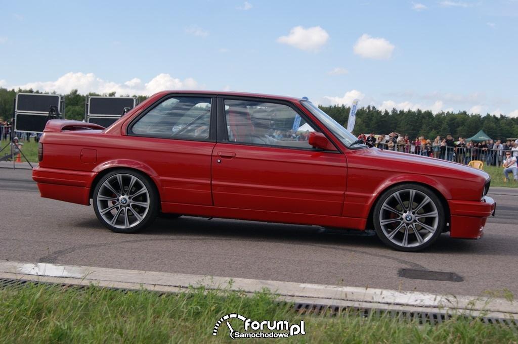 BMW E30, 1-4 mili, 2