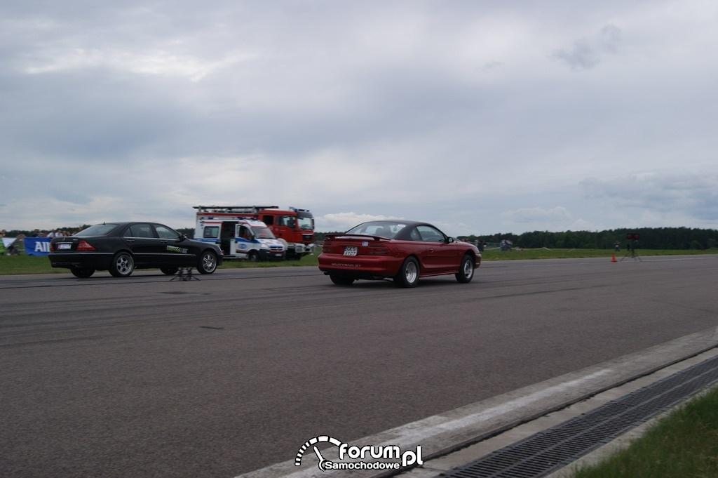 Ford Mustang vs Mercedes S Brabus 6.3 biturbo, 5