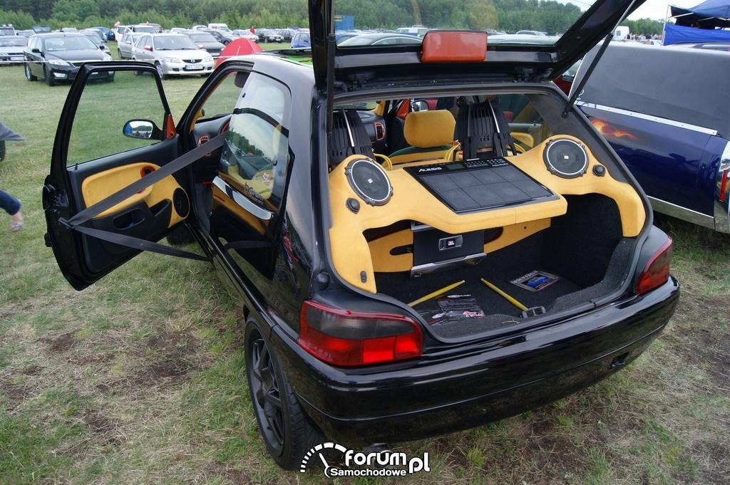 Zabudowa bagażnika Car Audio, Citroen Saxo