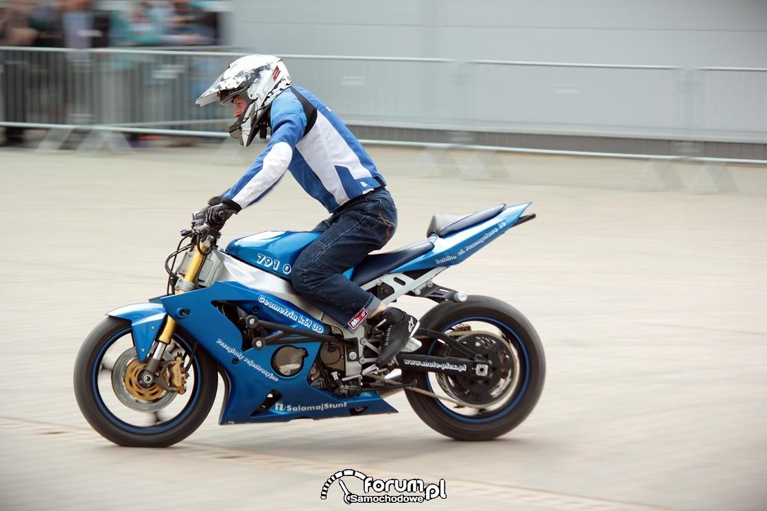 Motocykl do stuntu