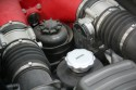 Ferrari, układ dolotowy i korek od oleju
