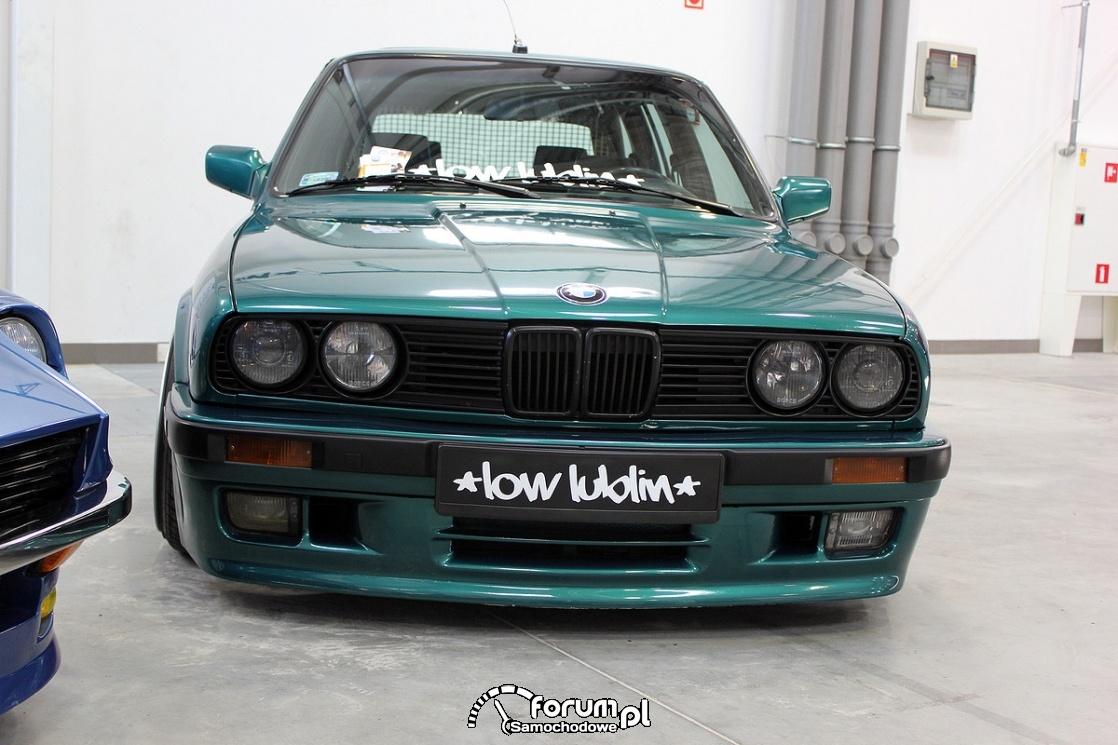 BMW E30, przód