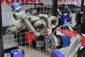 Kolektor wydechowy i turbosprężarka ze stożkowym filtrem powietrza