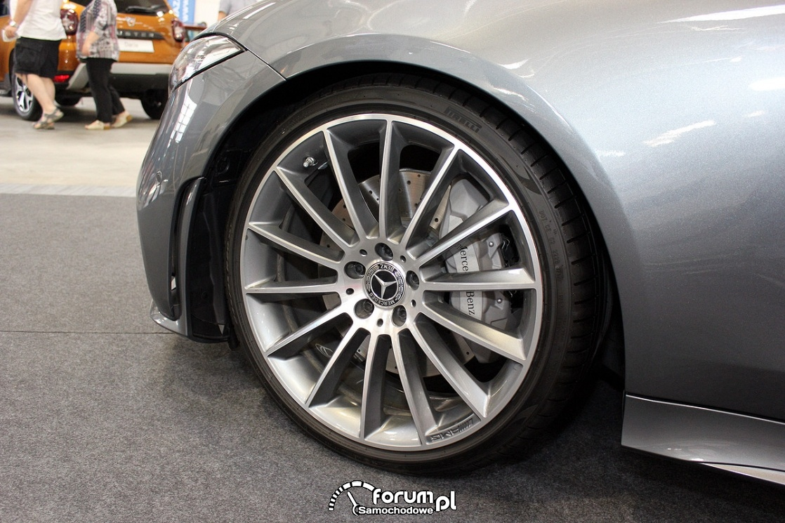 Mercedes-Benz CLS 400d, alufelgi AMG