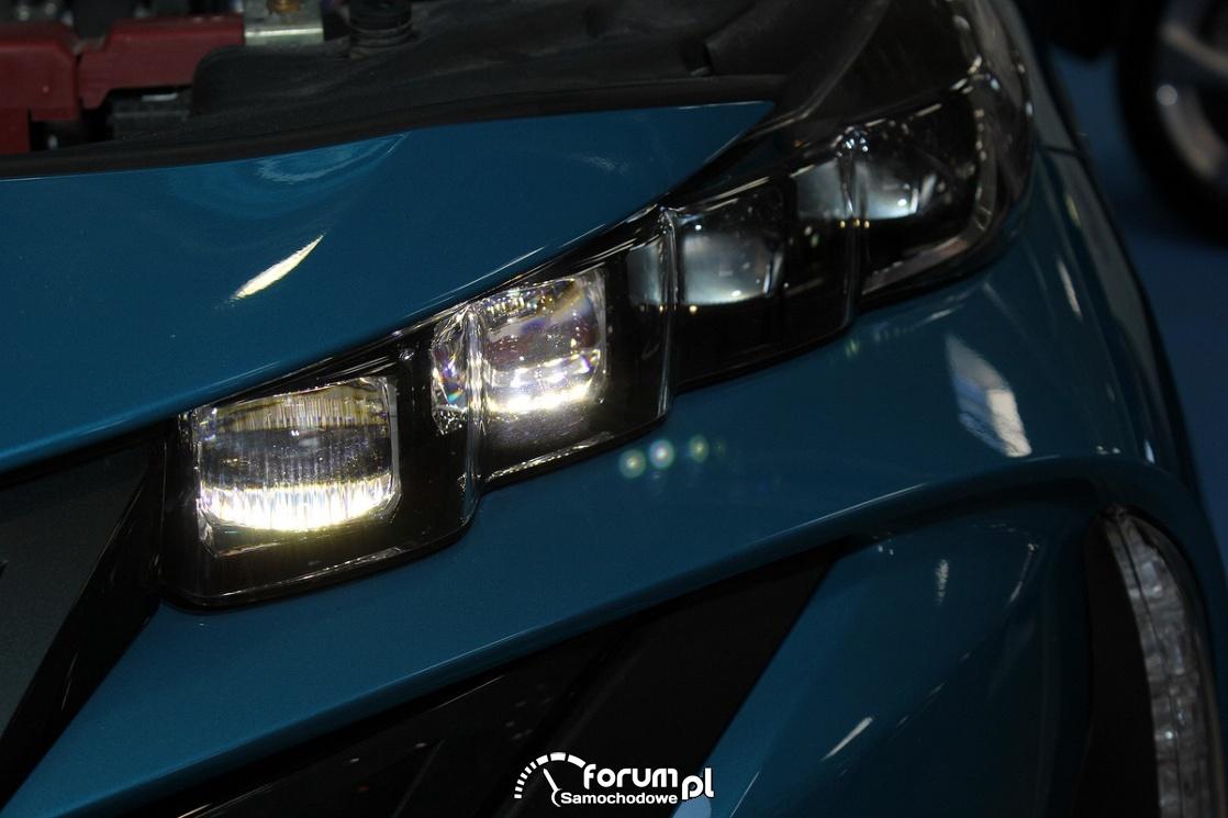 Przednie światła, Toyota Prius PHV