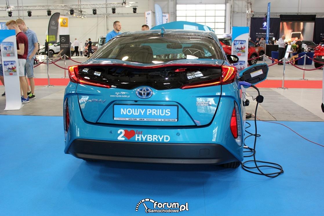 Toyota Prius PHV, tył