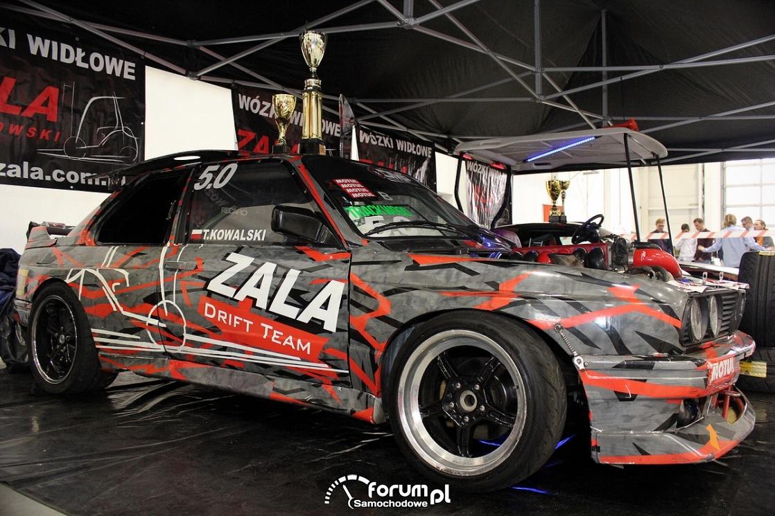 BMW E30, samochód o driftu