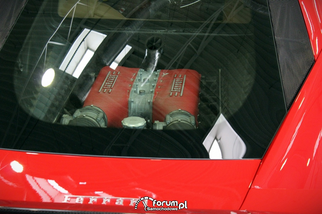 Ferrari 458 Italia, silnik