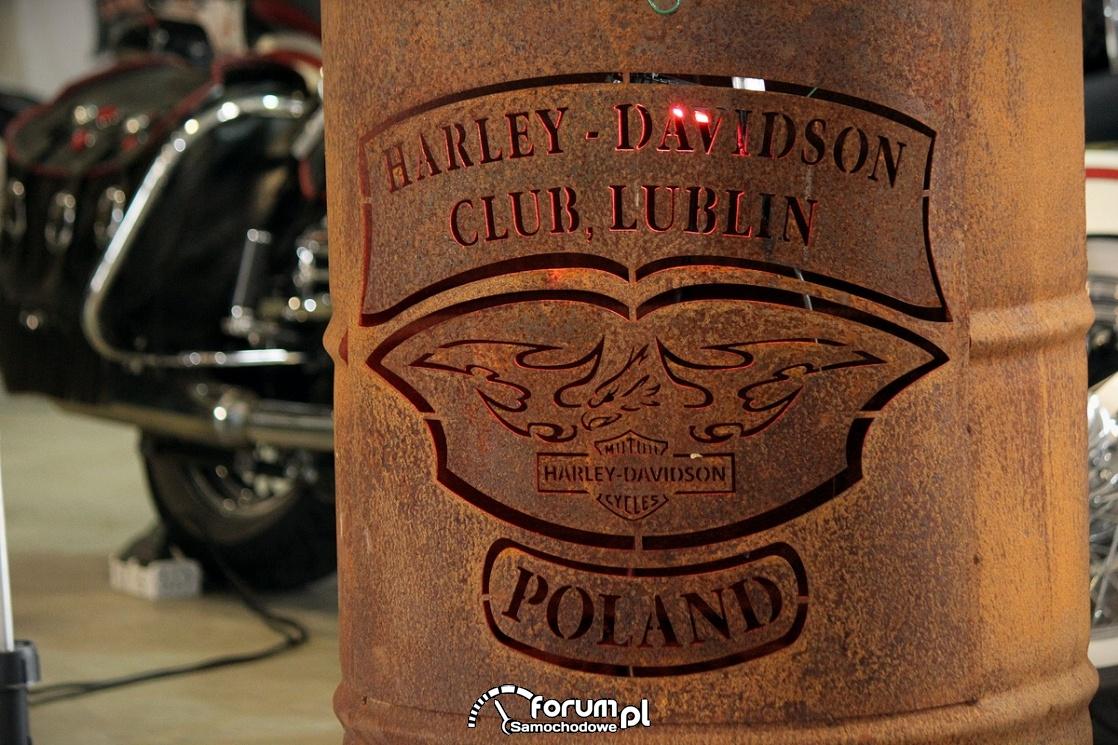 Harley-Davidson Club, Poland, zardzewiała beczka