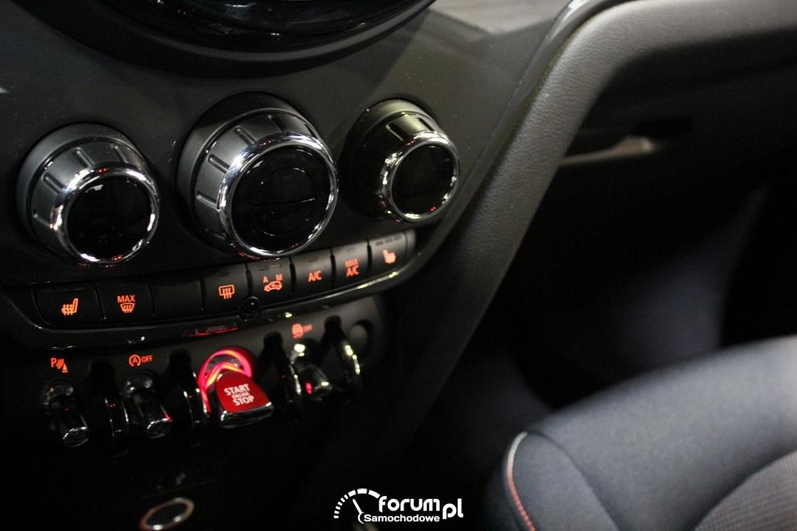 Mini Cooper Countryman, przyciski na środkowej konsoli