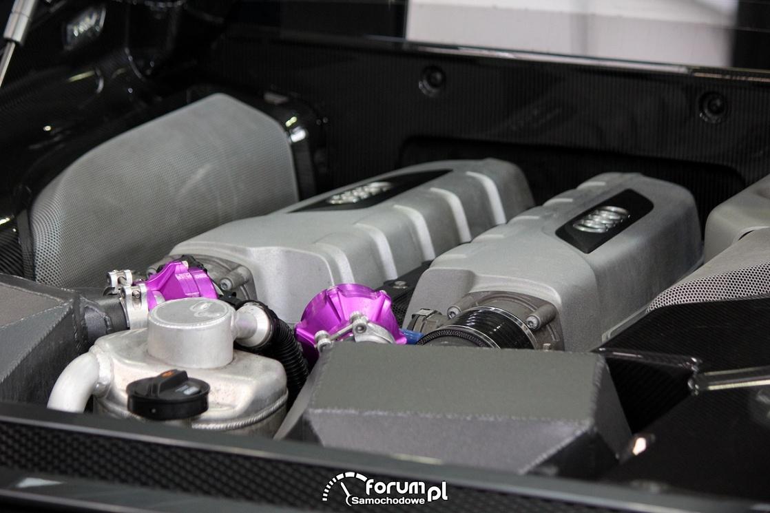 Silnik, Audi R8