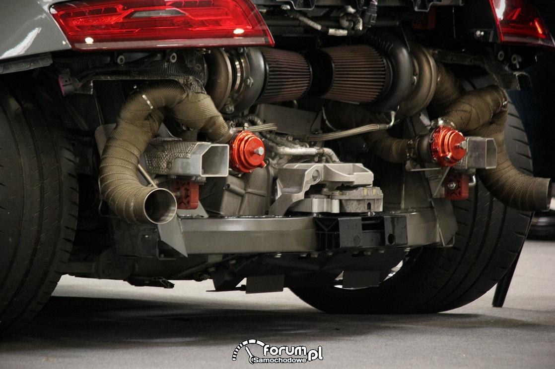 Silnik, układ wydechowy, Audi R8