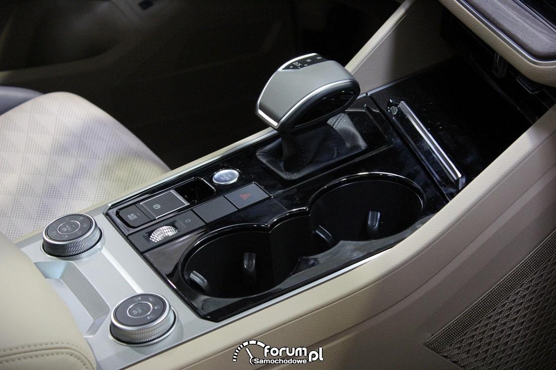 Volkswagen Touareg, środkowa konsola