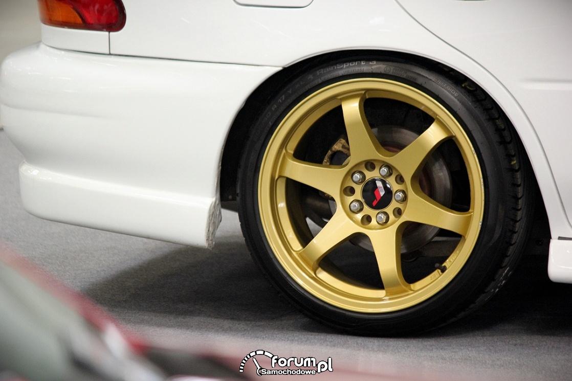 Złote alufelgi, Subaru Impreza