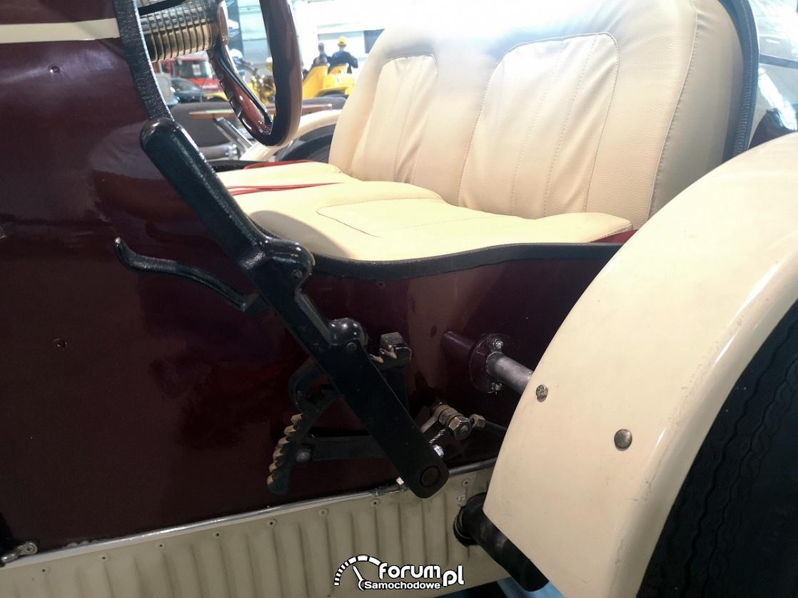 Bugatti 1927, hamulec ręczny