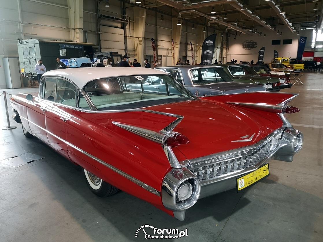 Cadillac de Ville, tył