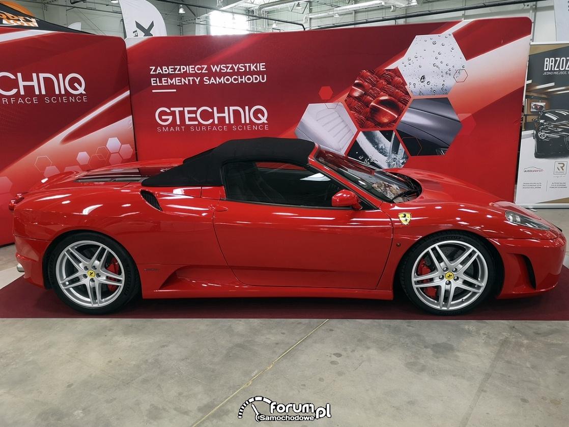 Ferrari 430 Pininfarina, bok