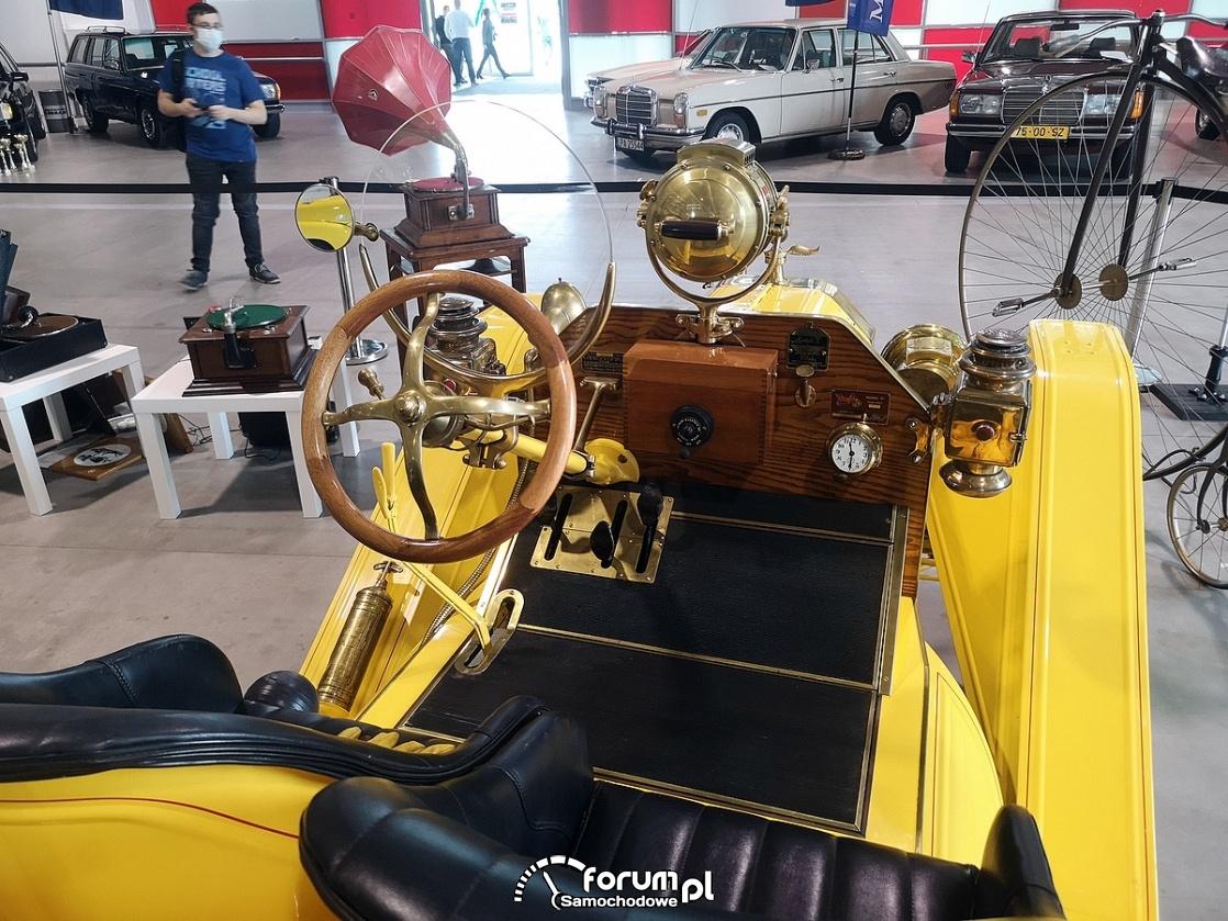 Ford Model T Speedster 1914 rok, wnętrze