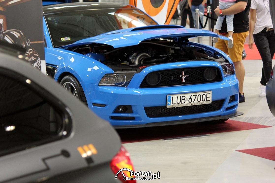 Ford Mustang, przód