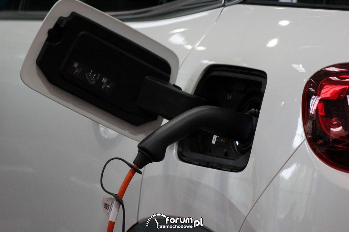 Gniazdko ładowania elektrycznego samochodu