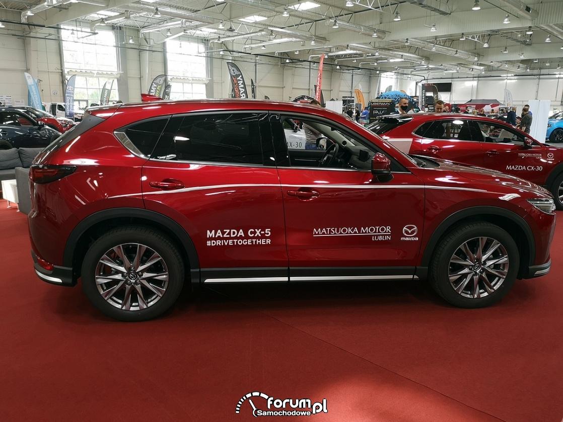 Mazda CX-5 AWD, bok