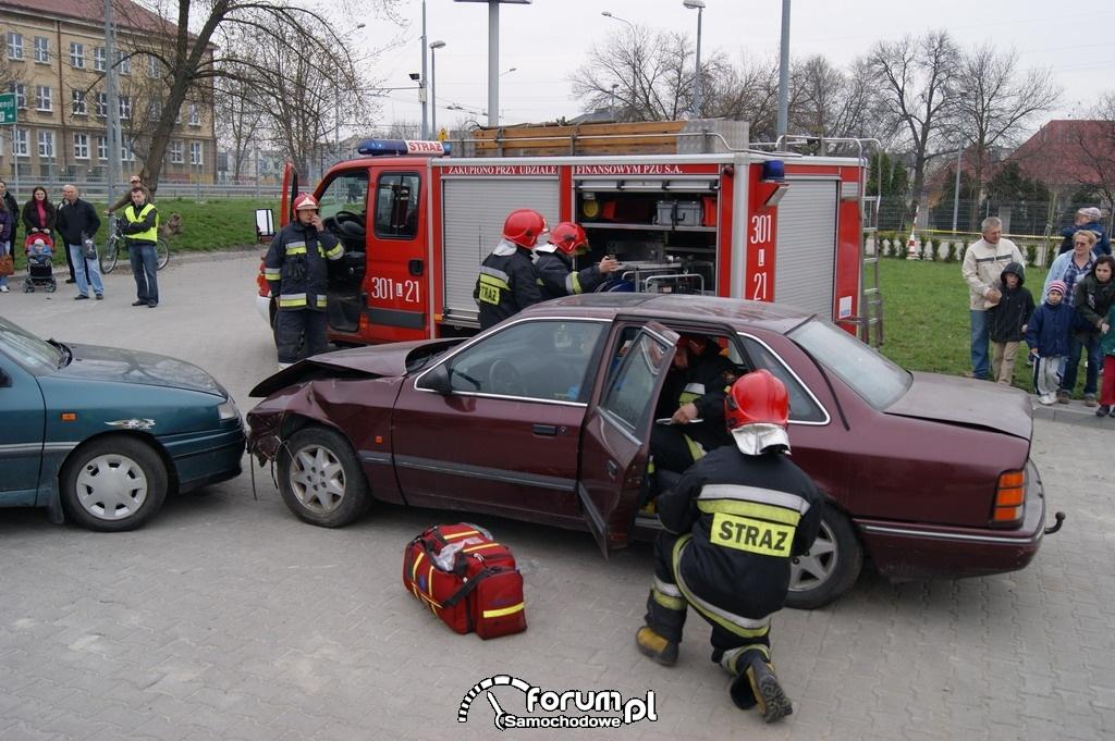 Pokazy ratownictwa drogowego, 1