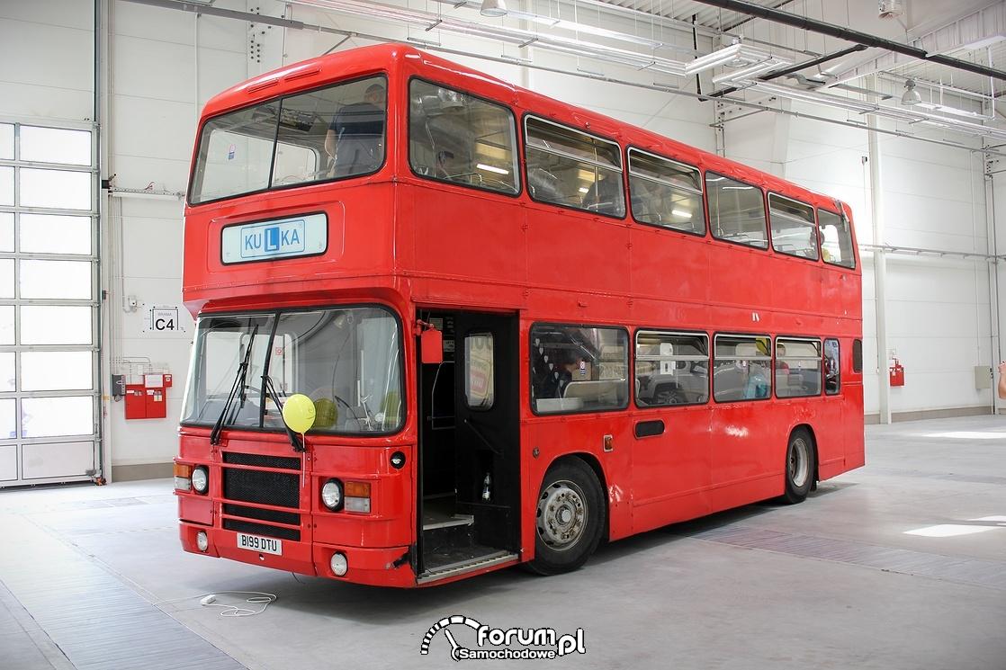 Angielski autobus piętrowy