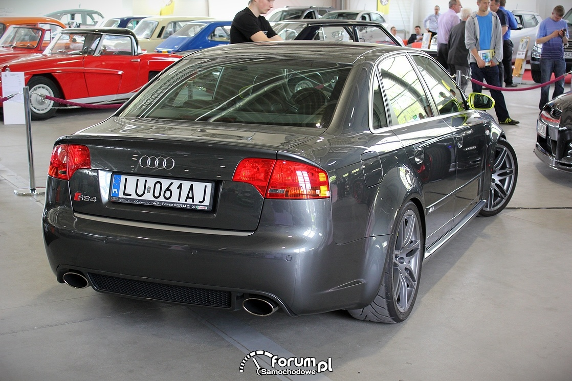 Audi RS4, tył