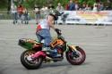 Boczny kontrolowany poślizg na motorze