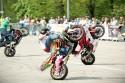 Stunt motocyklowy w parach