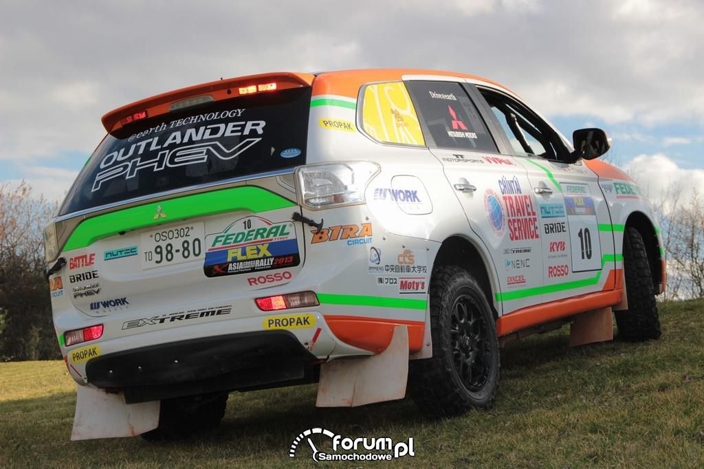 Asia Cross Country Rally, Mitsubishi Outlander PHEV, tył