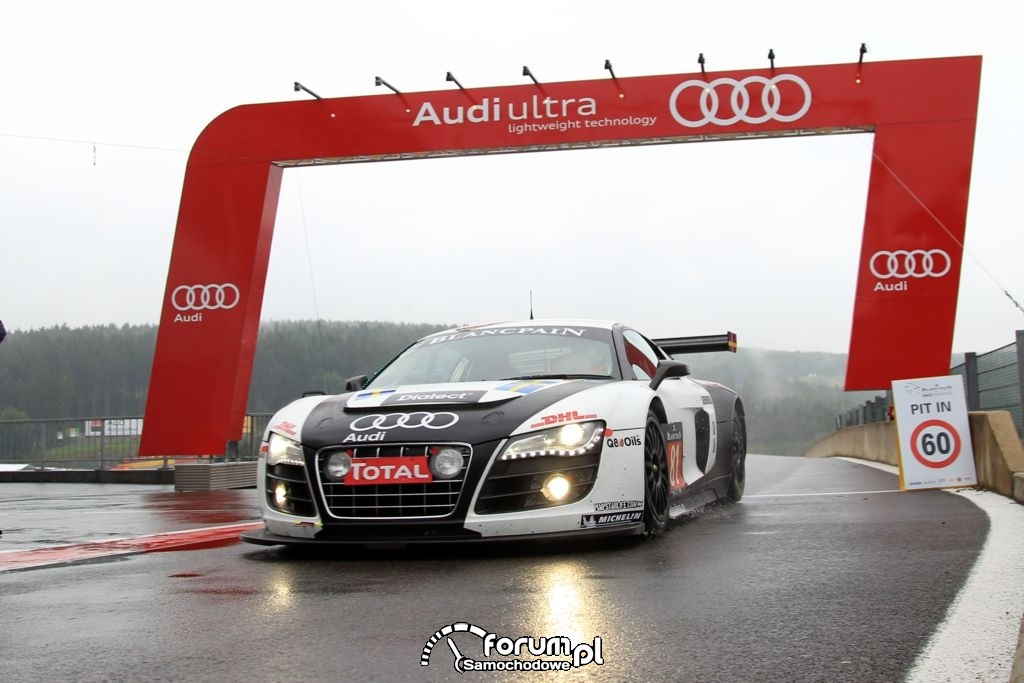 Audi R8 LMS ultra na torze w Spa, 4