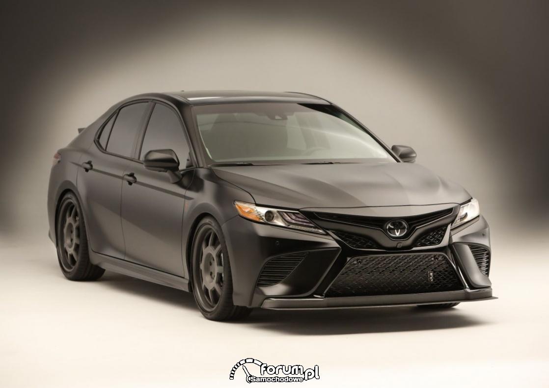 Czarna, mat, Toyota Camry