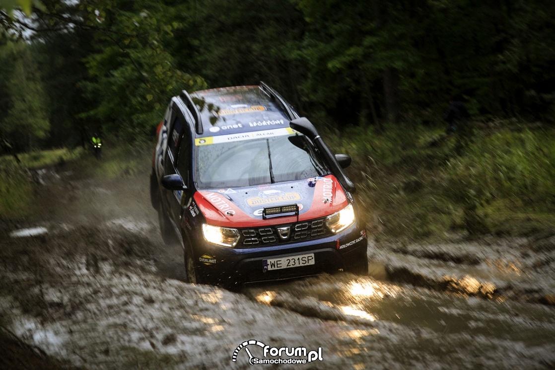 Dacia Duster Motrio Cup, przejazd przez błoto