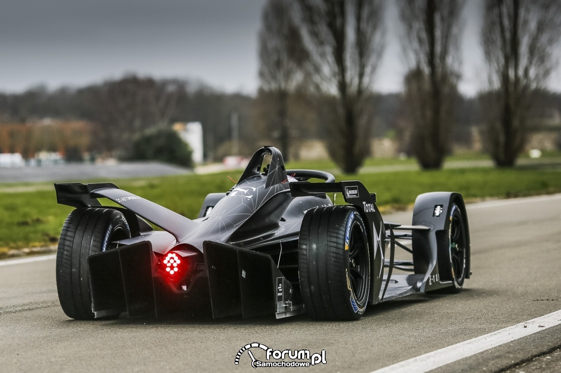 DS E-TENSE FE 19 - bolid Formuły E nowej generacji