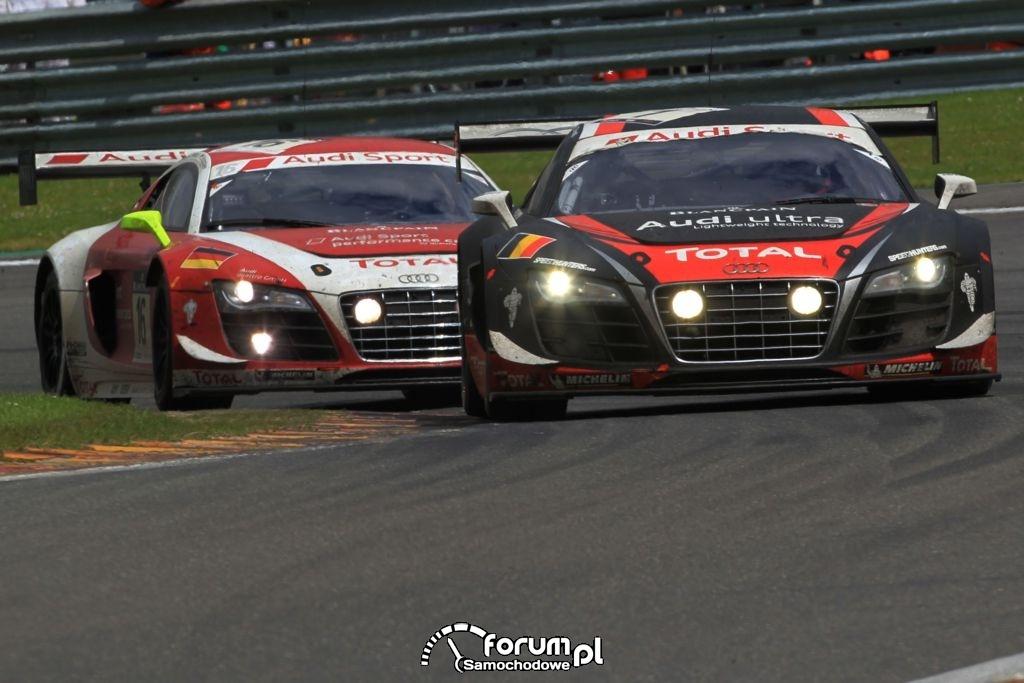 Dwa Audi R8 LMS ultra na torze w Spa