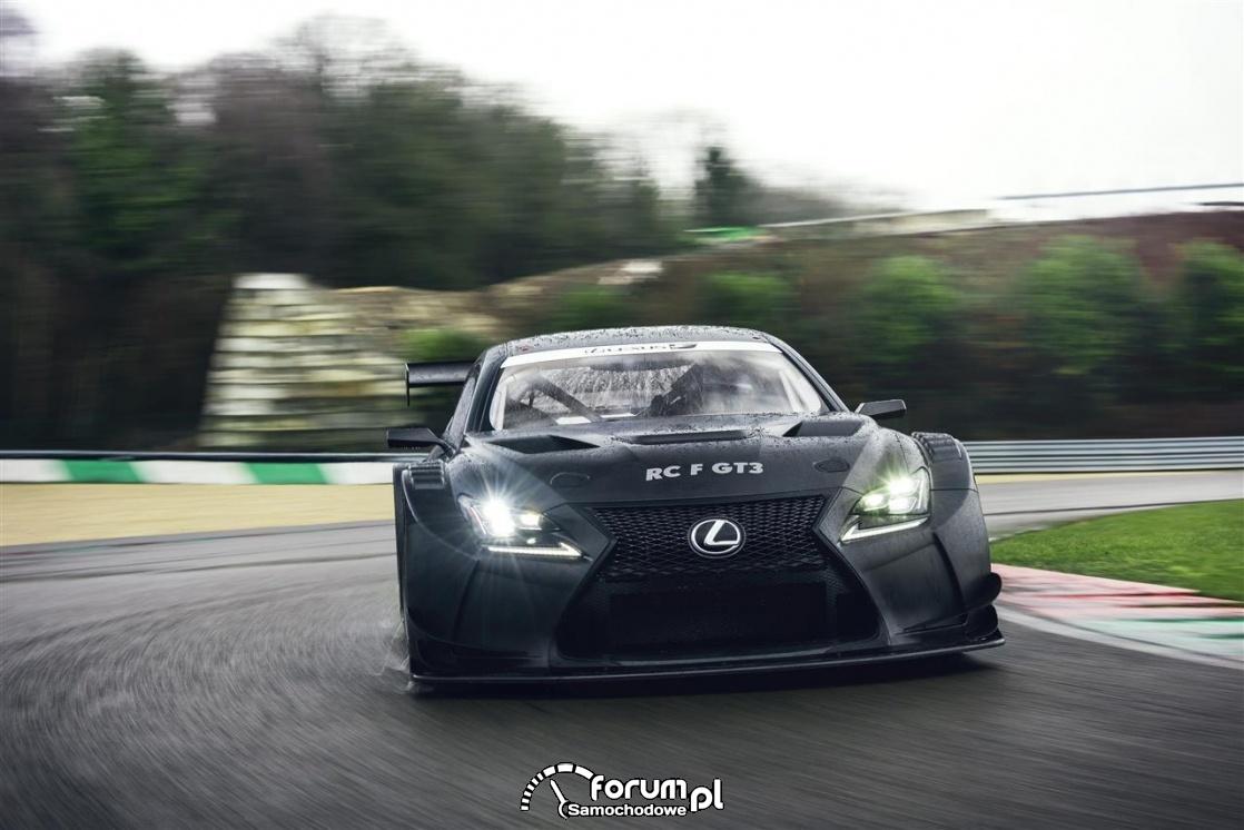 Samochód wyścigowy niejedno ma imię
