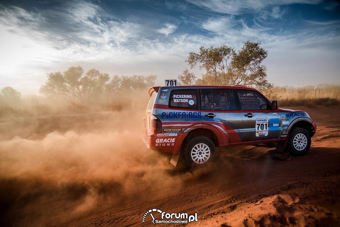 Mitsubishi Pajero - Finke Desert Race