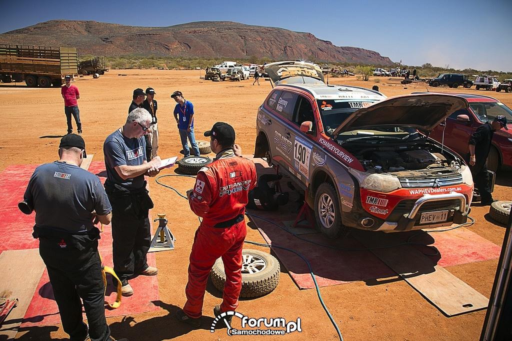 Outlander PHEV, Australasian Safari 2014, czas na naprawę