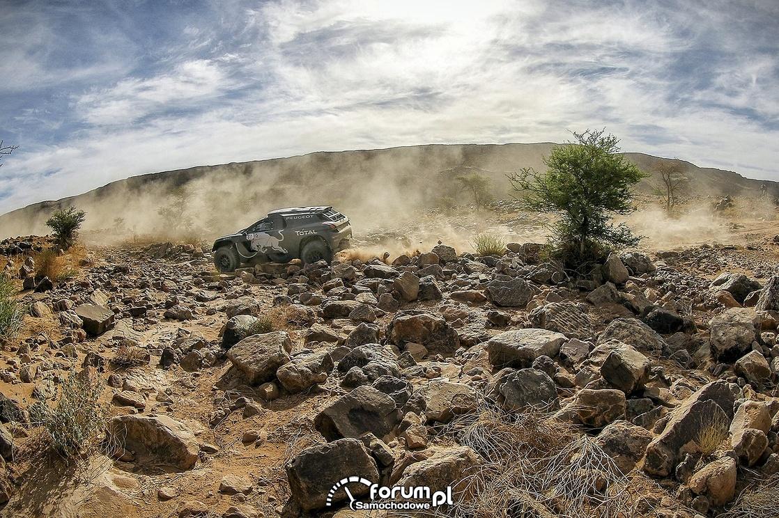 Peugeot 2008 DKR16, kamienista pustynia, II etap Rajdu Maroka