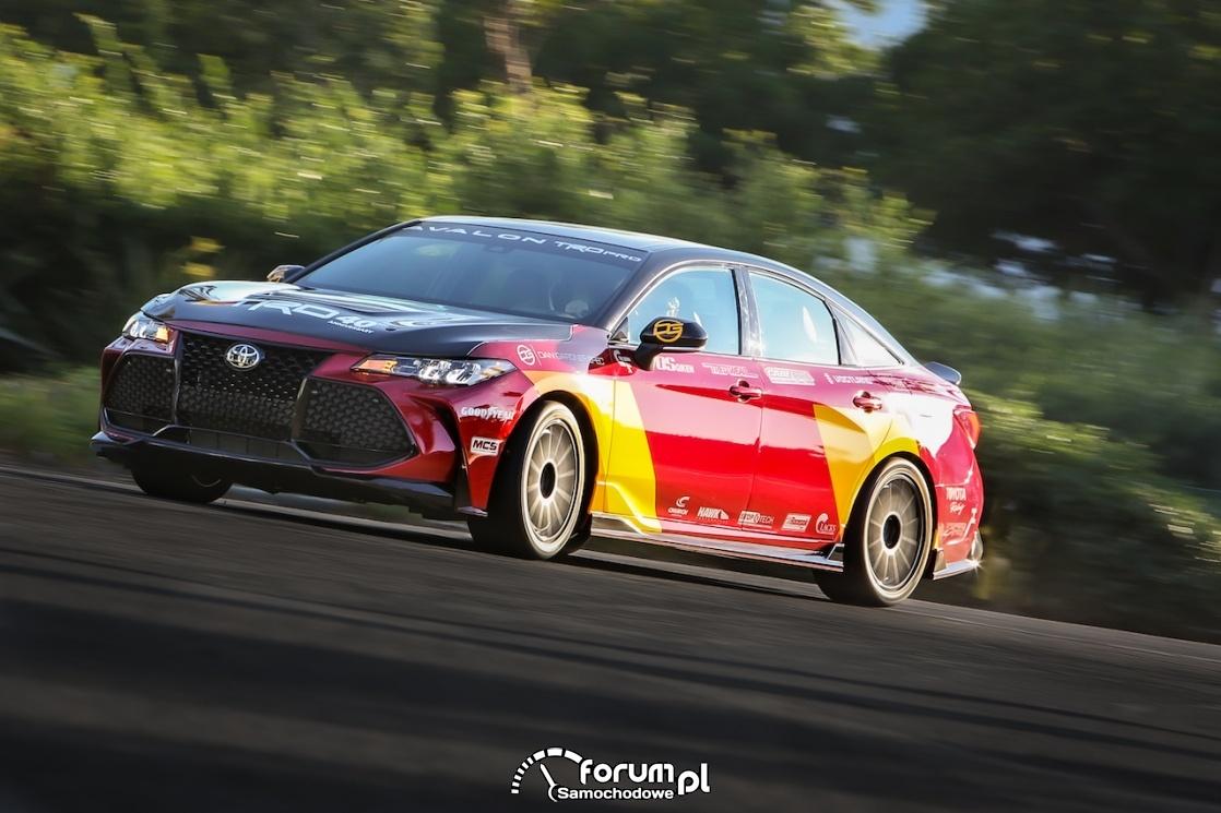 Toyota świętuje 40 lat sportowej marki TRD na targach SEMA Show