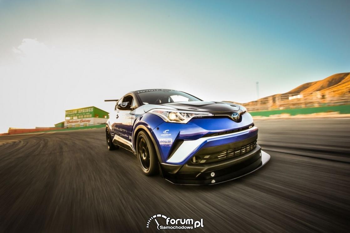 Toyota C-HR R-Tuned, tor wyścigowy