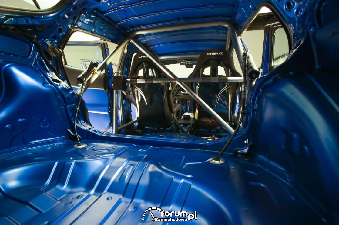 Toyota C-HR R-Tuned, wnętrze, klatka bezpieczeństwa