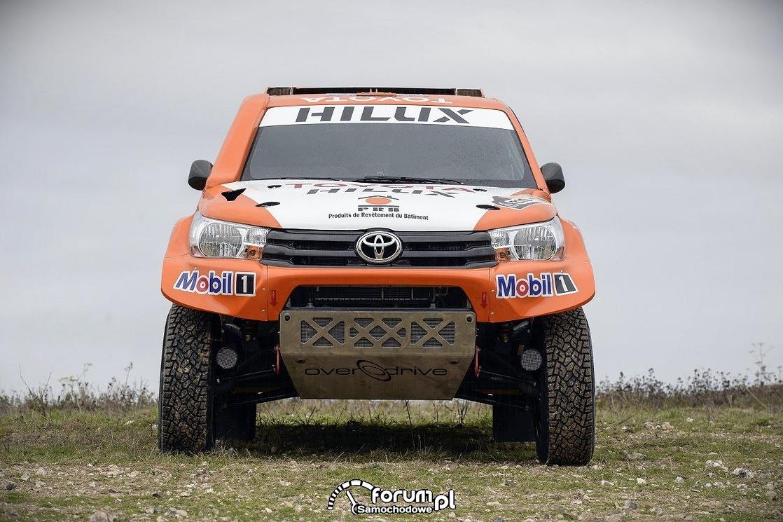 Toyota Hilux 8. generacji, przód