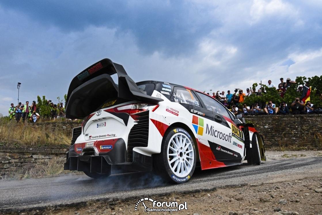 Cztery Toyoty Yaris WRC na starcie Rajdu Niemiec
