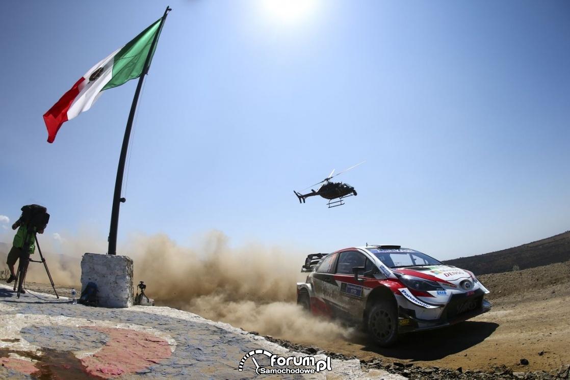 Toyota Yaris WRC - Rajd Meksyku, helikopter