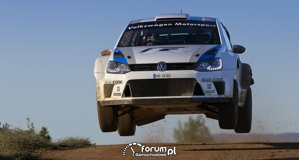 Volkswagen Polo R WRC podczas skoku