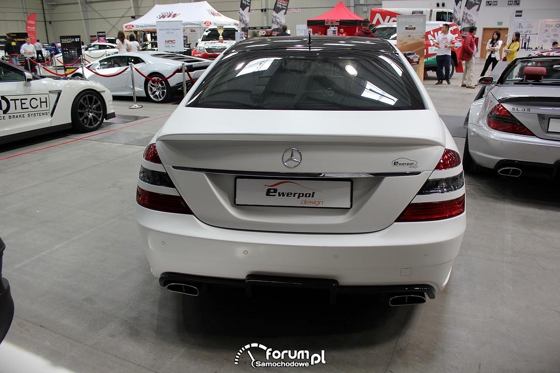 Mercedes S klasa, biały mat, tył